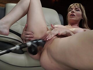 Mature uses bonk machine for her fat pussy and ass