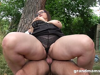 A steamy have a passion with a mature BBW who has killer thighs and fat pussy